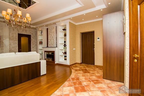 Суперлюкс апартаменты в центральном районе, 2х-комнатная (61495), 002