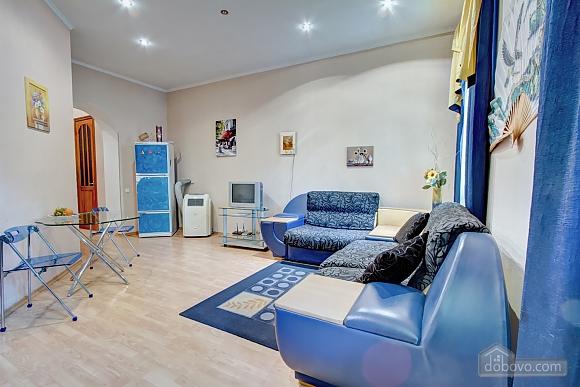 Yellow-blue, Un chambre (16858), 004
