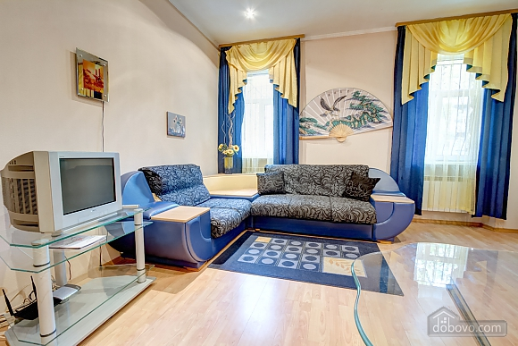 Yellow-blue, Un chambre (16858), 007