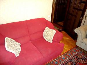 Уютная в тихом центре, 2х-комнатная, 002