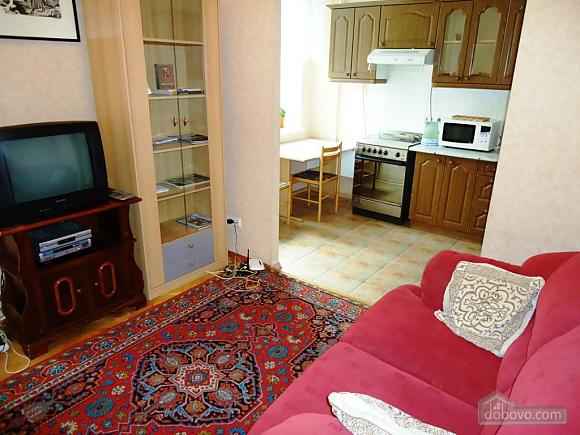 Затишна квартира в тихому центрі, 2-кімнатна (39901), 003
