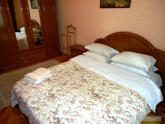 Затишна квартира в тихому центрі, 2-кімнатна (39901), 007