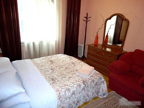 Затишна квартира в тихому центрі, 2-кімнатна (39901), 008