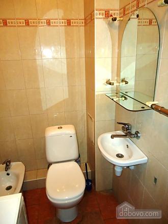 Затишна квартира в тихому центрі, 2-кімнатна (39901), 012