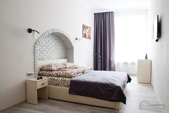 Luxury apartment near to Rynok square, Studio (17451), 002