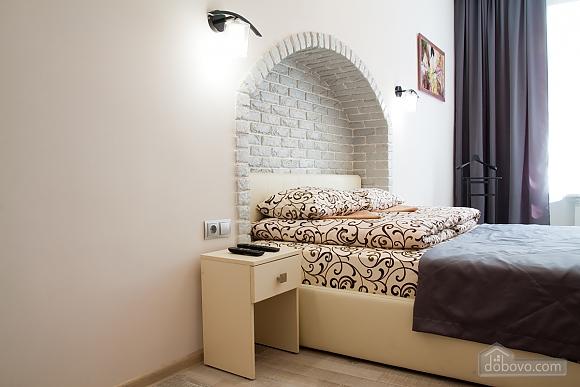 Luxury apartment near to Rynok square, Studio (17451), 004