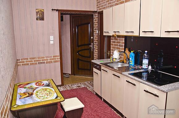Квартира возле метро Советская, 2х-комнатная (62549), 003