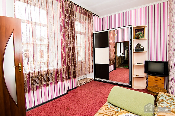 Квартира возле метро Советская, 2х-комнатная (62549), 006