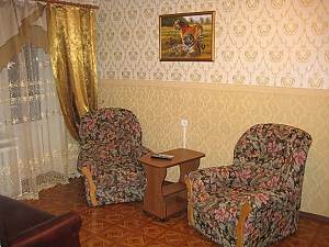 Druzhby Narodiv, One Bedroom, 002