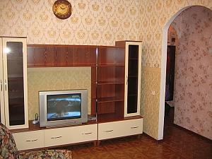 Druzhby Narodiv, Una Camera, 003