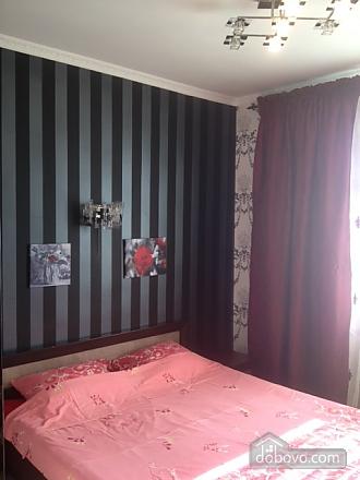 Bunina, Zweizimmerwohnung (43461), 011