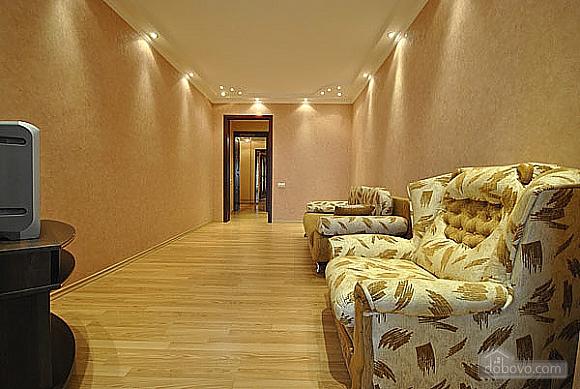 Просторная квартира в Аркадии, 2х-комнатная (66900), 003