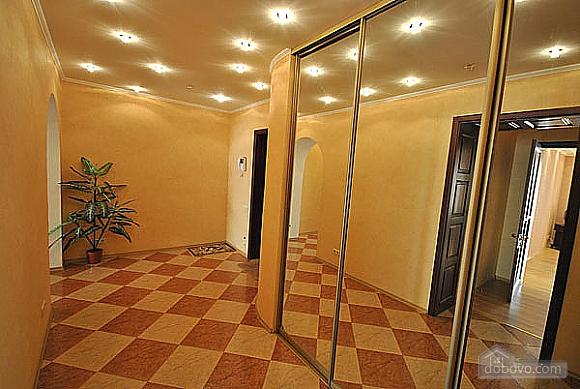 Просторная квартира в Аркадии, 2х-комнатная (66900), 004