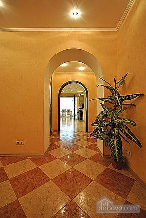 Просторная квартира в Аркадии, 2х-комнатная (66900), 005