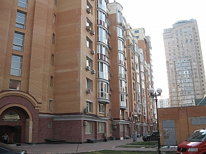 Obolonskiye Lypky, Studio, 015