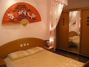 Bukovynska, Zweizimmerwohnung, 001