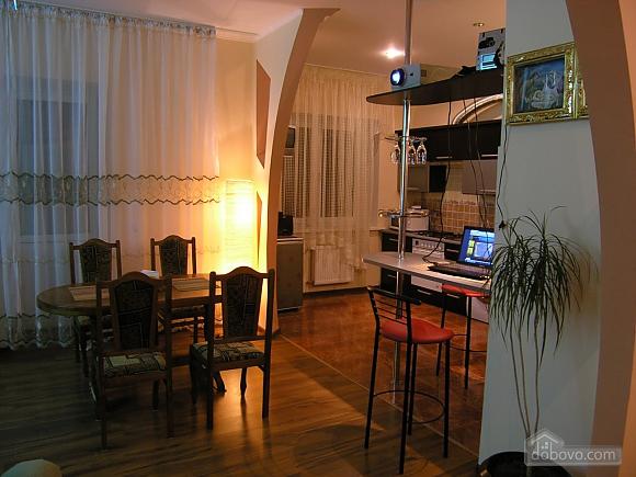 Буковинська, 2-кімнатна (44911), 010