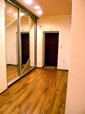 Bukovynska, Zweizimmerwohnung, 011