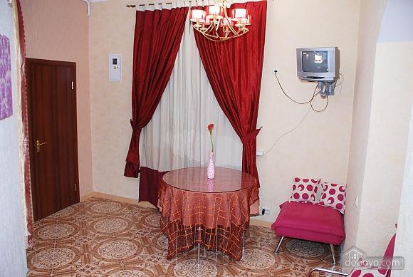 Центр, 2 двуспальных кровати, 2х-комнатная (22725), 008
