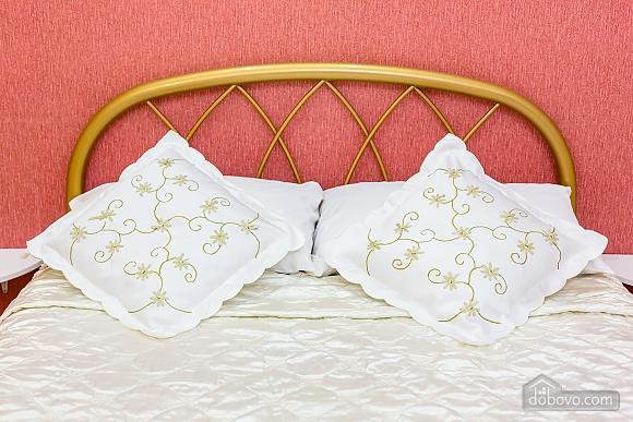 Центр, 2 двуспальных кровати, 2х-комнатная (22725), 014