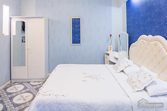 Центр, 2 двуспальных кровати, 2х-комнатная (22725), 003