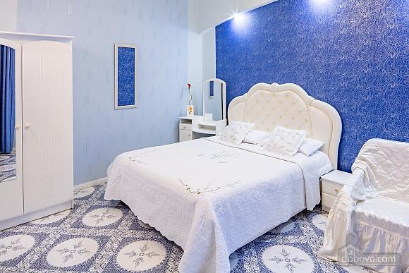 Центр, 2 двуспальных кровати, 2х-комнатная (22725), 016