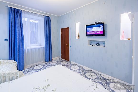 Центр, 2 двуспальных кровати, 2х-комнатная (22725), 017
