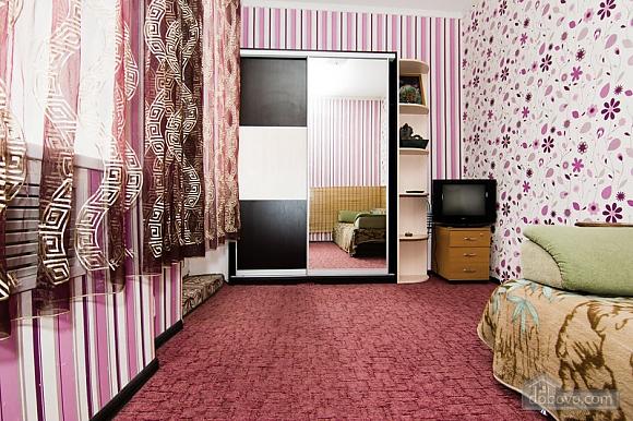 Near Radyanska metro station, One Bedroom (23252), 006