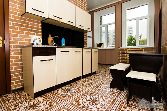 Near Radyanska metro station, One Bedroom (23252), 015