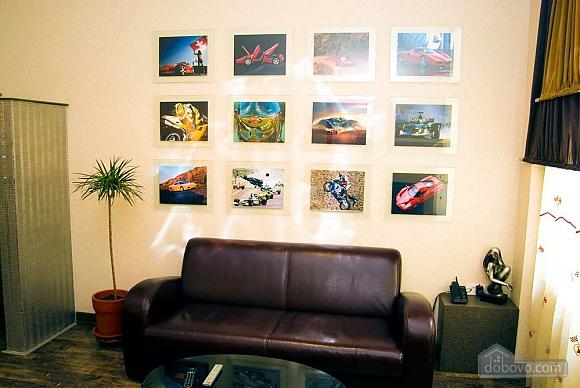 Ferrari, Un chambre (90866), 002