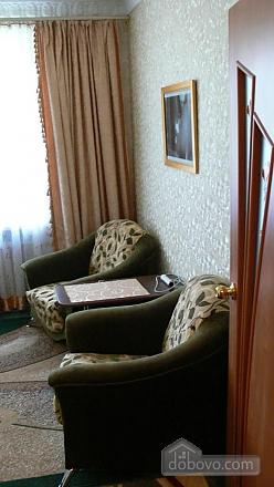Отличная квартира для отдыха и проживания, 2х-комнатная (91130), 002