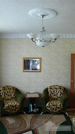 Отличная квартира для отдыха и проживания, 2х-комнатная (91130), 004