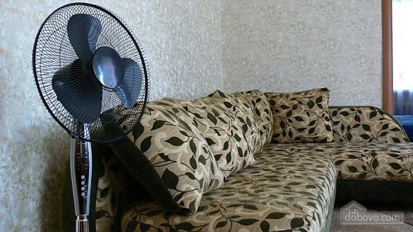 Отличная квартира для отдыха и проживания, 2х-комнатная (91130), 007