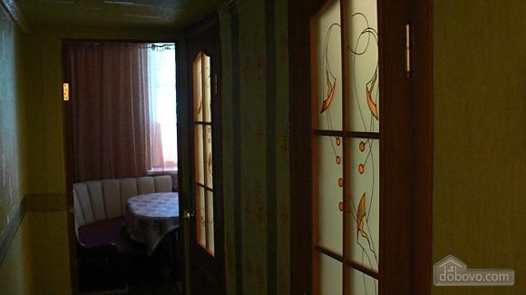 Отличная квартира для отдыха и проживания, 2х-комнатная (91130), 010