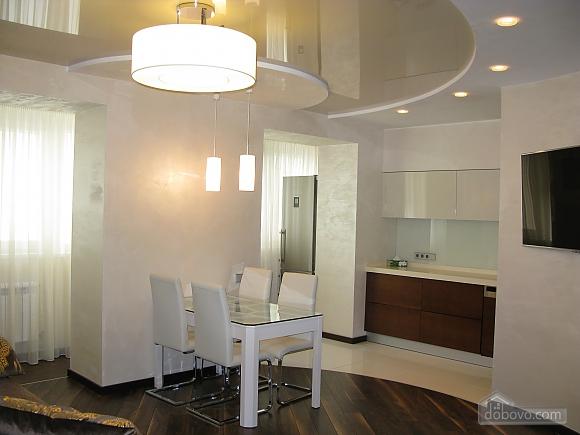 Краща VIP-квартира в центрі, 2-кімнатна (23779), 002
