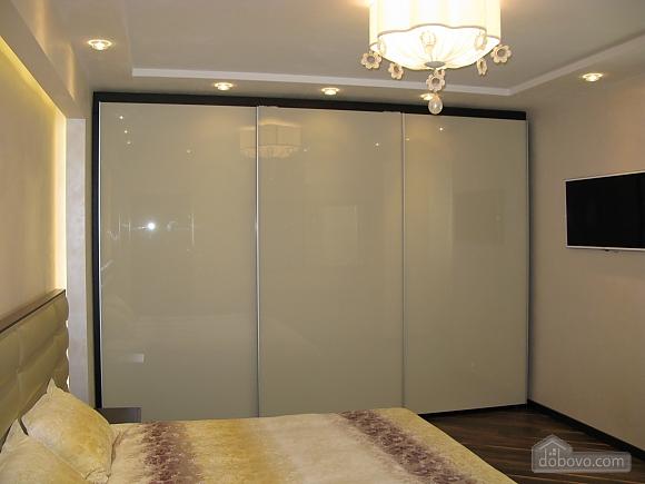 Краща VIP-квартира в центрі, 2-кімнатна (23779), 004