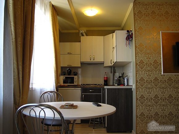Designer's renovation, Studio (47482), 004