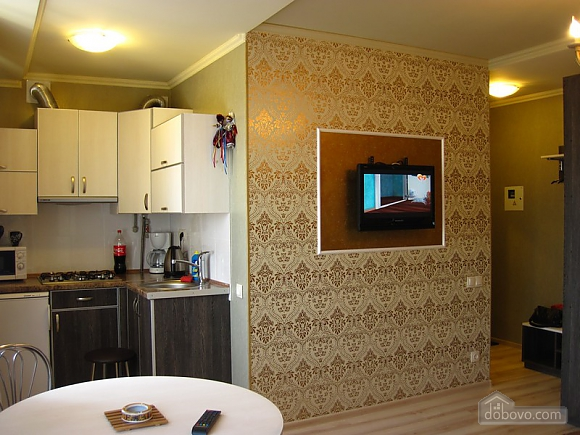 Designer's renovation, Studio (47482), 012