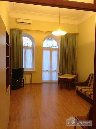 Простора квартира на Льва Толстого, 2-кімнатна (93371), 003