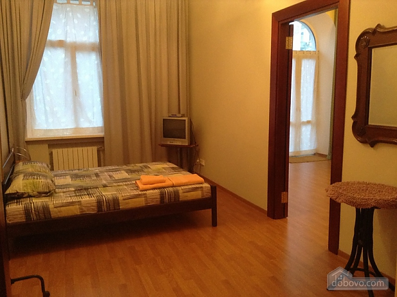 Простора квартира на Льва Толстого, 2-кімнатна (93371), 006