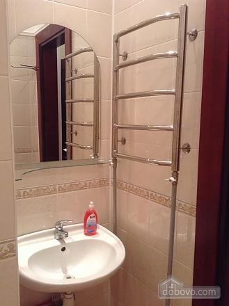Простора квартира на Льва Толстого, 2-кімнатна (93371), 012