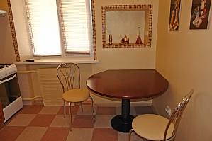 Квартира на Бессарабській площі, 2-кімнатна, 003