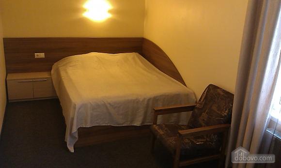 Suit in a mini-hotel, Un chambre (13186), 001