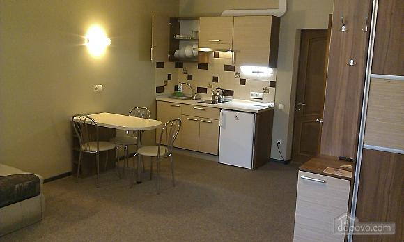 Suit in a mini-hotel, Un chambre (13186), 009