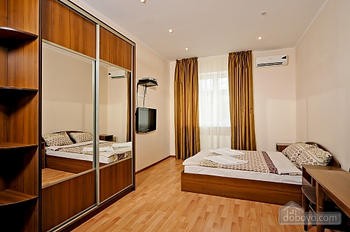 Spacious apartment in Kiev, Studio (80735), 003