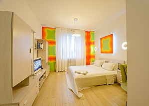 Connected studio apartments in the city center, Tre Camere, 002