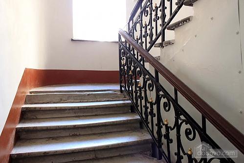 7 Sadovaya, Un chambre (14373), 011