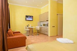 Просторі апартаменти-студіо з балконом і гідромасажною ванною, 1-кімнатна, 004