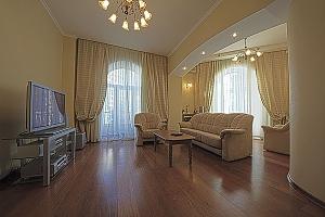 Квартира на Крещатике, 2х-комнатная, 001