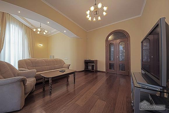 Apartment on Khreschatyk Street, Una Camera (71844), 003